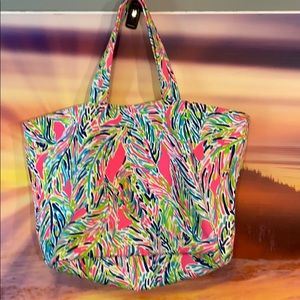 Lilly Pulitzer Tote like new 15x 12